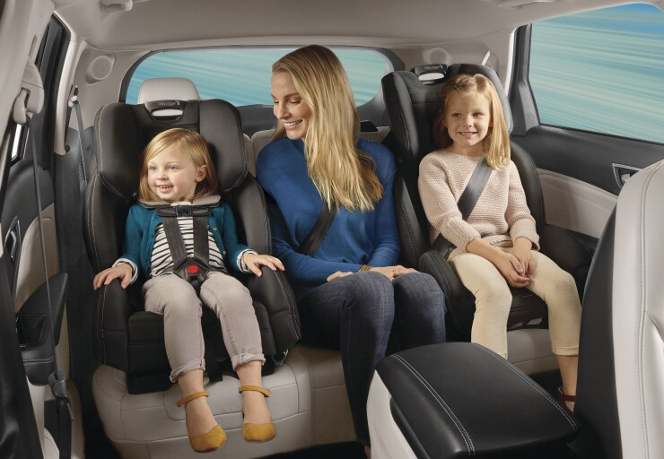 2049120-baby-jogger-city-view-all-in-one-car-seat-monument-hero-shot-wide-1_final.jpg